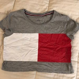 Tommy Hilfiger cropped tee!